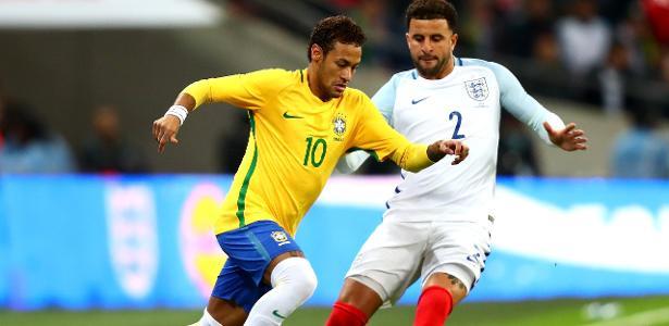 Neymar e Kyle Walker disputam jogada no amistoso entre Inglaterra e Brasil 253d84f43dccc