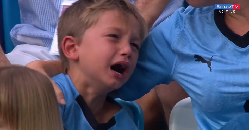 Torcedor uruguaio chora após segundo gol da França