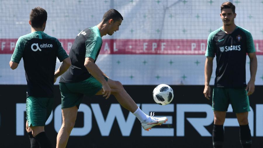 Cristiano Ronaldo durante treinamento da seleção portuguesa - Francisco Leong/AFP