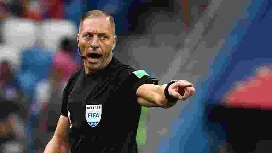 Néstor Pitana durante a partida entre Uruguai e França - Franck Fife/AFP