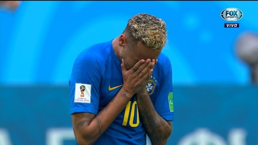 Neymar chora copiosamente depois de vitória do Brasil - Reprodução/Fox Sports