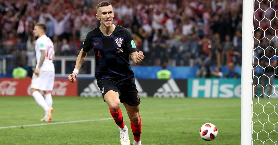 Ivan Perisic, da Croácia, comemora depois de marcar gol e empatar com a Inglaterra