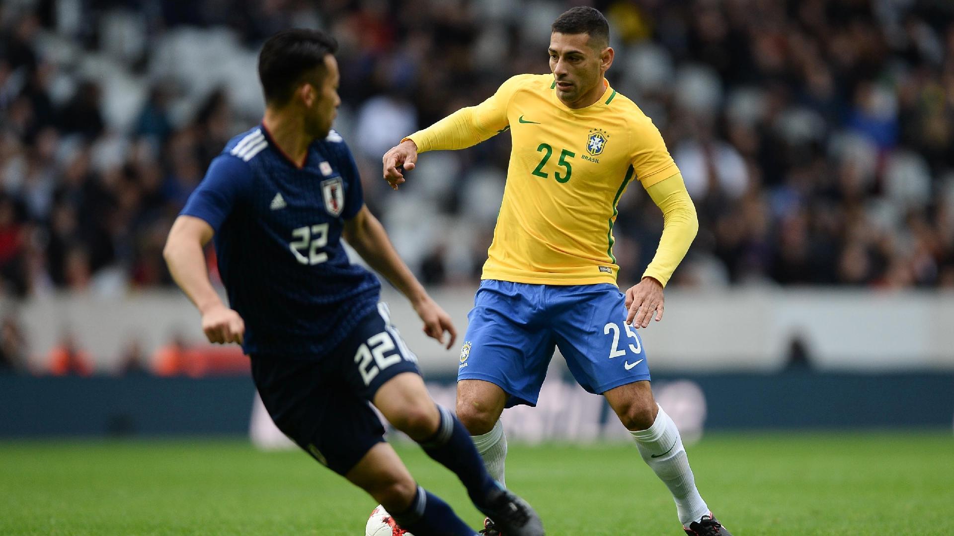 Diego Souza recebe chance de Tite no segundo tempo