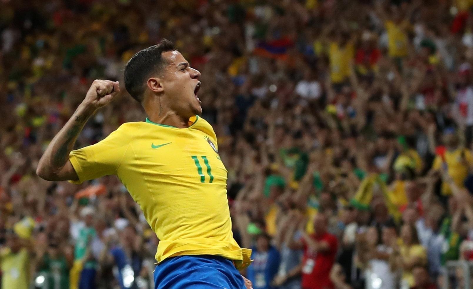 Philippe Coutinho comemora gol do Brasil diante da Suíça na Copa do Mundo da Rússia