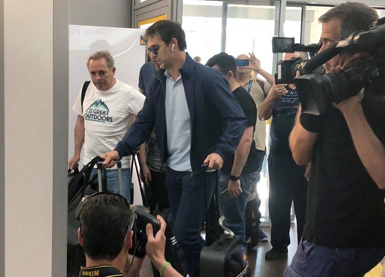 4c713382e2 Espanha na Copa 2018  Lopetegui desembarca em silêncio e será apresentado  pelo Real nesta 5ª - UOL Copa do Mundo 2018