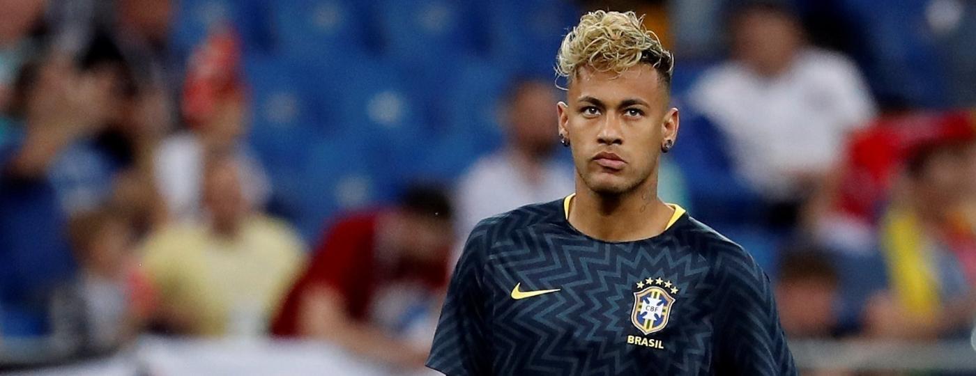 Com novo visual, Neymar aquece antes de Brasil x Suíça