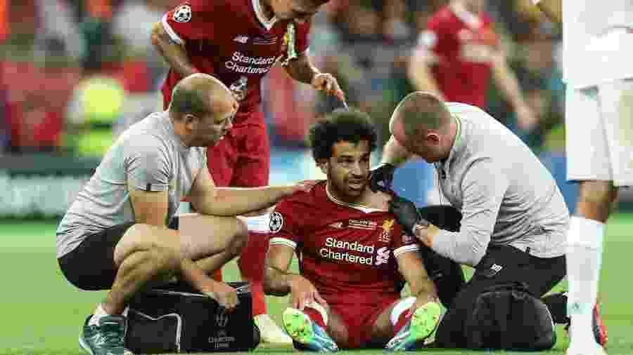 Salah recebe atendimento médico durante a final da Liga dos Campeões - Xinhua/Wuzhuang