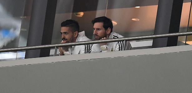 Messi deixou as tribunas do estádio para reerguer moral do elenco argentino