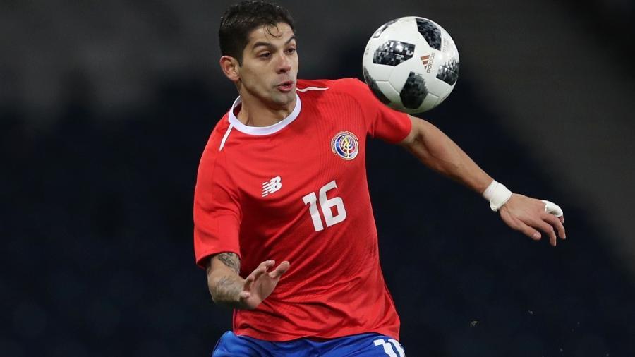 Cristian Gamboa, lateral da Costa Rica e do Celtic, da Escócia, jogou pouco e apelou para personal trainer - Ian MacNicol/Getty Images