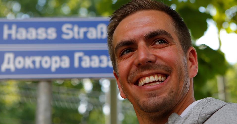 Philipp Lahm participa de encontro com crianças na Rússia