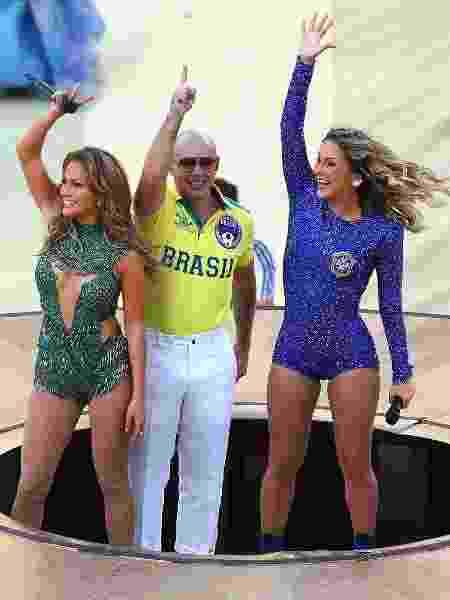 Copa do Mundo 2014 Cláudia Leitte Jennifer Lopez Pitbull - Elsa/Getty Images - Elsa/Getty Images