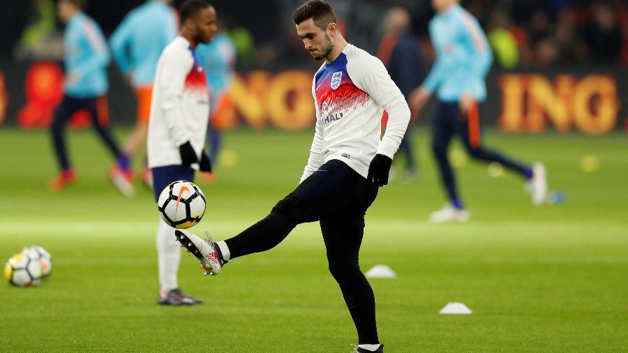 Lewis Cook fez sua estreia pela seleção inglesa na última terça-feira - John Sibley/Reuters