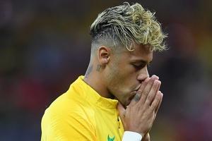 Rizek diz que apresentará programa com visual de Neymar em caso de título (Foto: Laurence Griffiths/Getty Images)