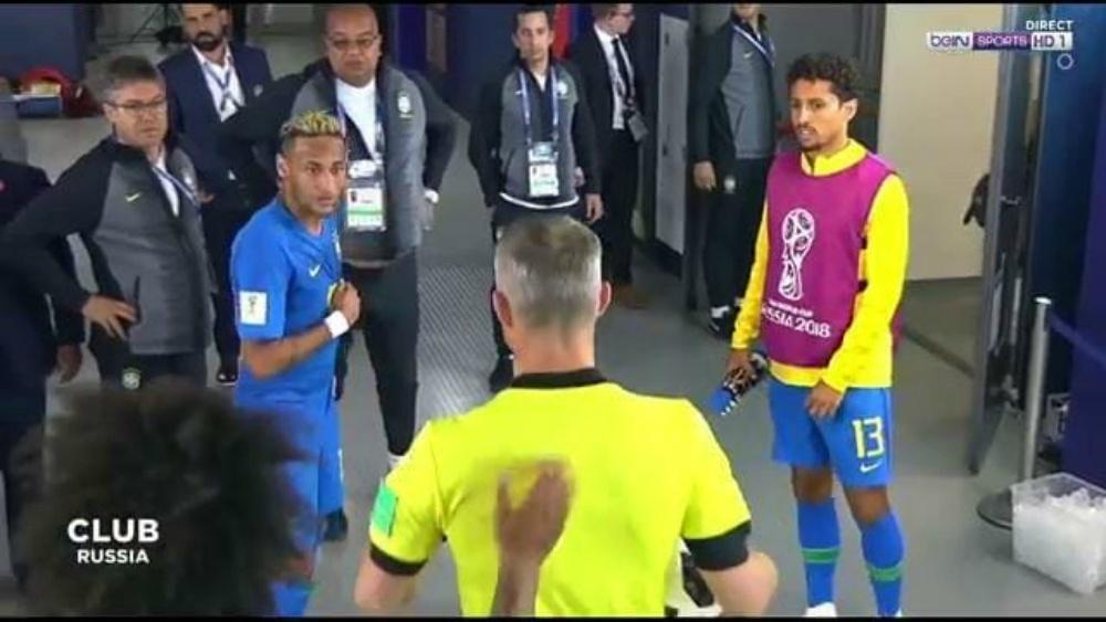 Neymar reclama arbitragem Brasil Costa Rica seleção