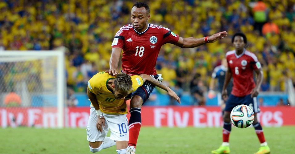 Zuñiga deu joelhada em Neymar nas quartas de final da Copa de 2014