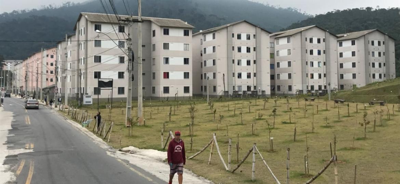 Parque Residencial Ermitage recebeu as famílias que perderam suas casas na tragédia das chuvas em 2011 - Pedro Ivo Almeida/UOL