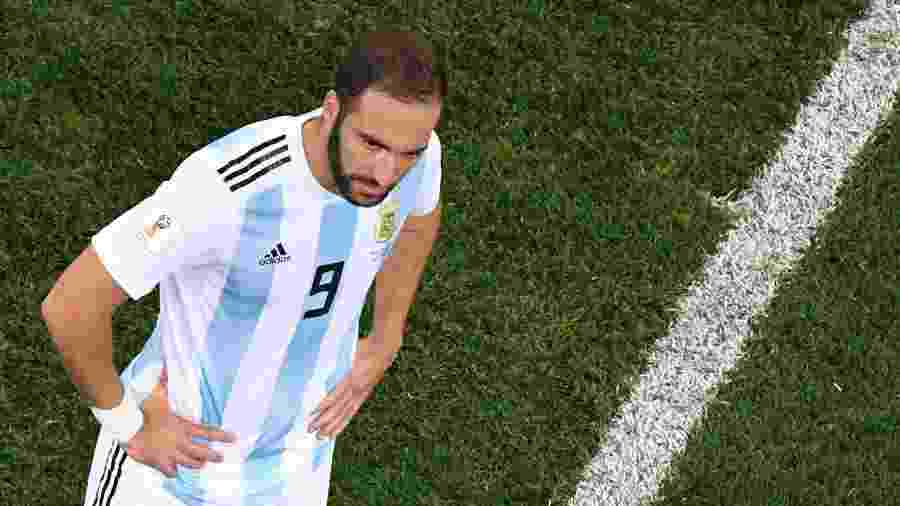 Higuaín durante a derrota por 3 a 0 para a Croácia - Kirill Kudryavtsev/AFP