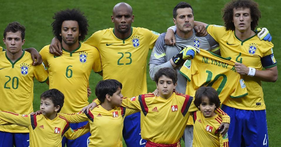 Seleção brasileira se posiciona para foto antes da partida contra a Alemanha, em 2014