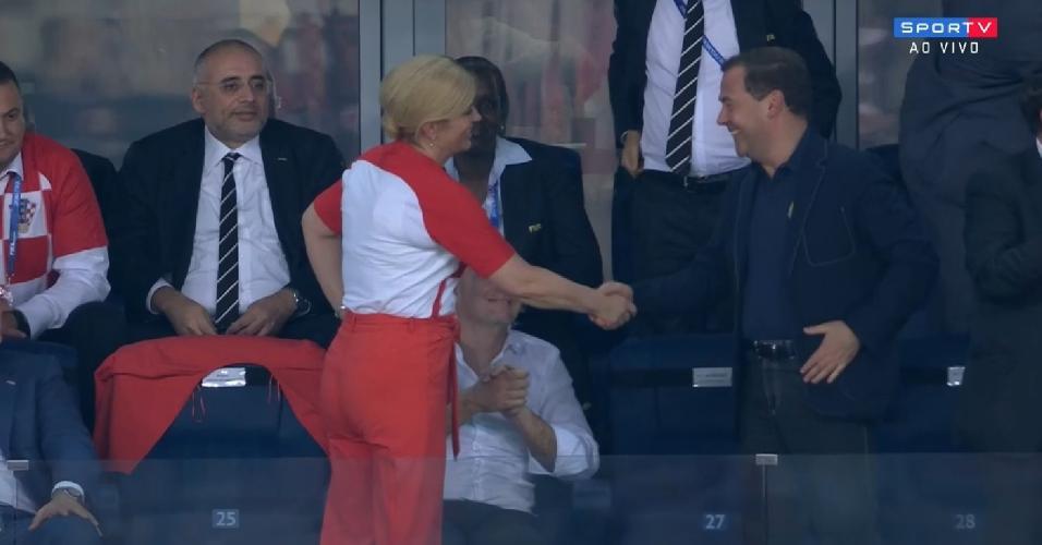 Presidente croata cumprimenta primeiro-ministro russo após gol de empate