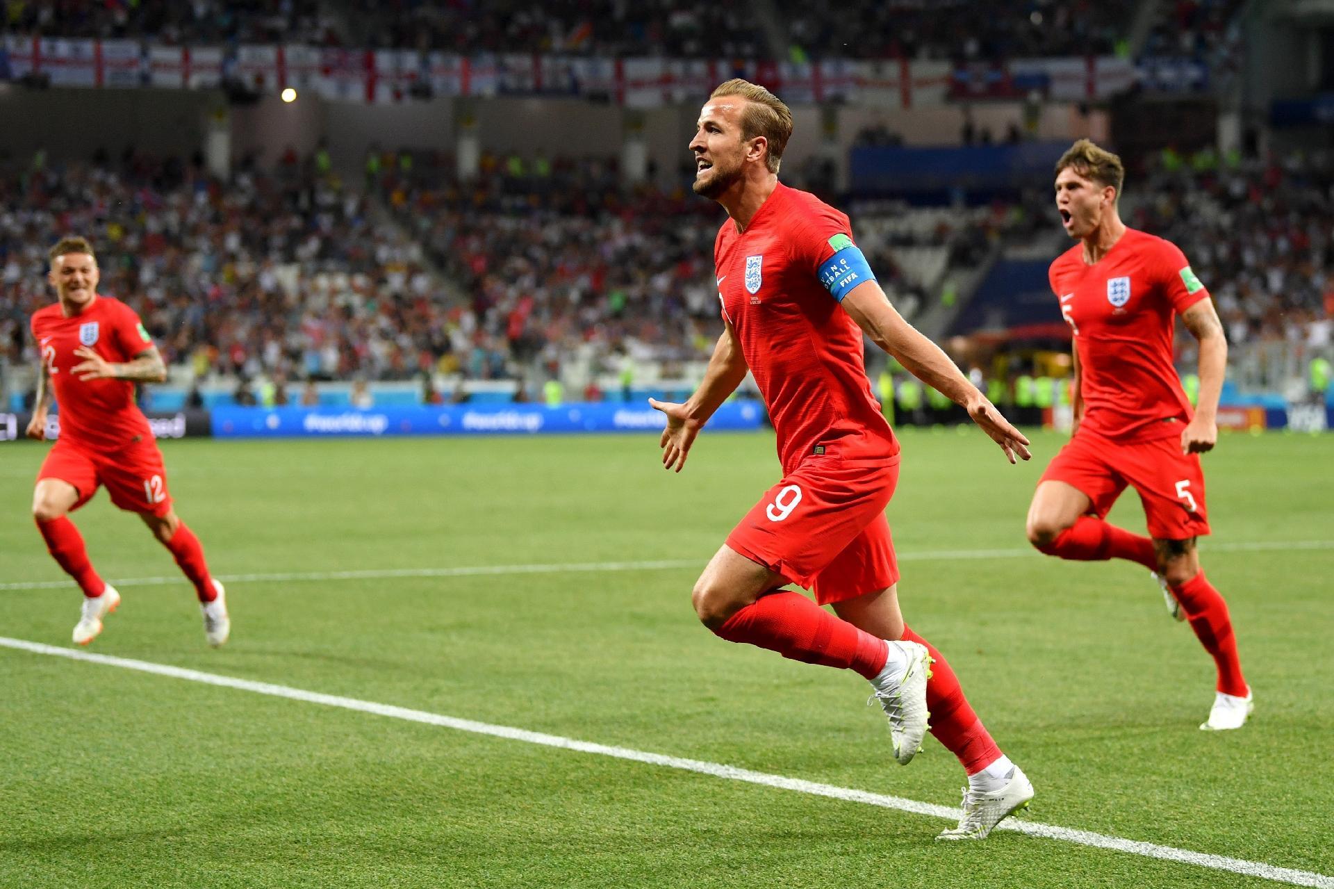 Copa do Mundo 2018  Kane marca duas vezes e Inglaterra consegue vitória  sobre a Tunísia no fim - UOL Copa do Mundo 2018 e7c38c8929868