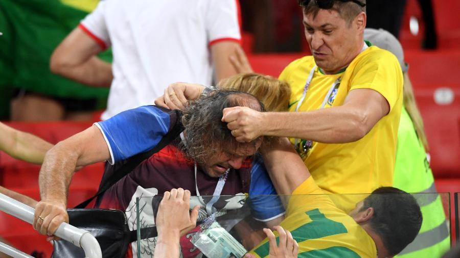 Torcedores do Brasil e da Sérvia trocam socos e agressões após partida pela Copa do Mundo - Stu Forster/Getty Images