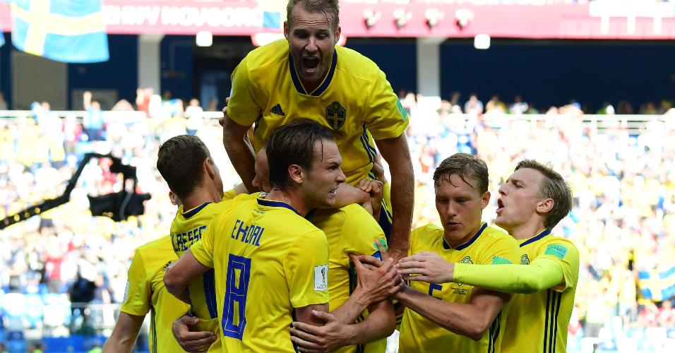 Suécia faz festa em gol durante jogo contra a Coreia do Sul