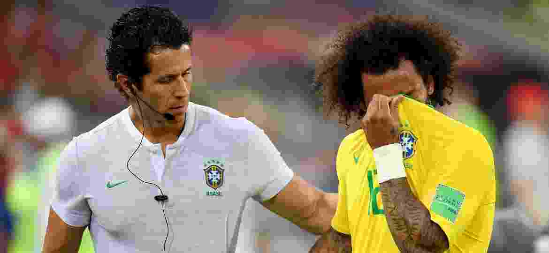 Marcelo é substituído e sai chorando da partida entre Brasil e Sérvia, na Copa do Mundo - Stuart Franklin - FIFA