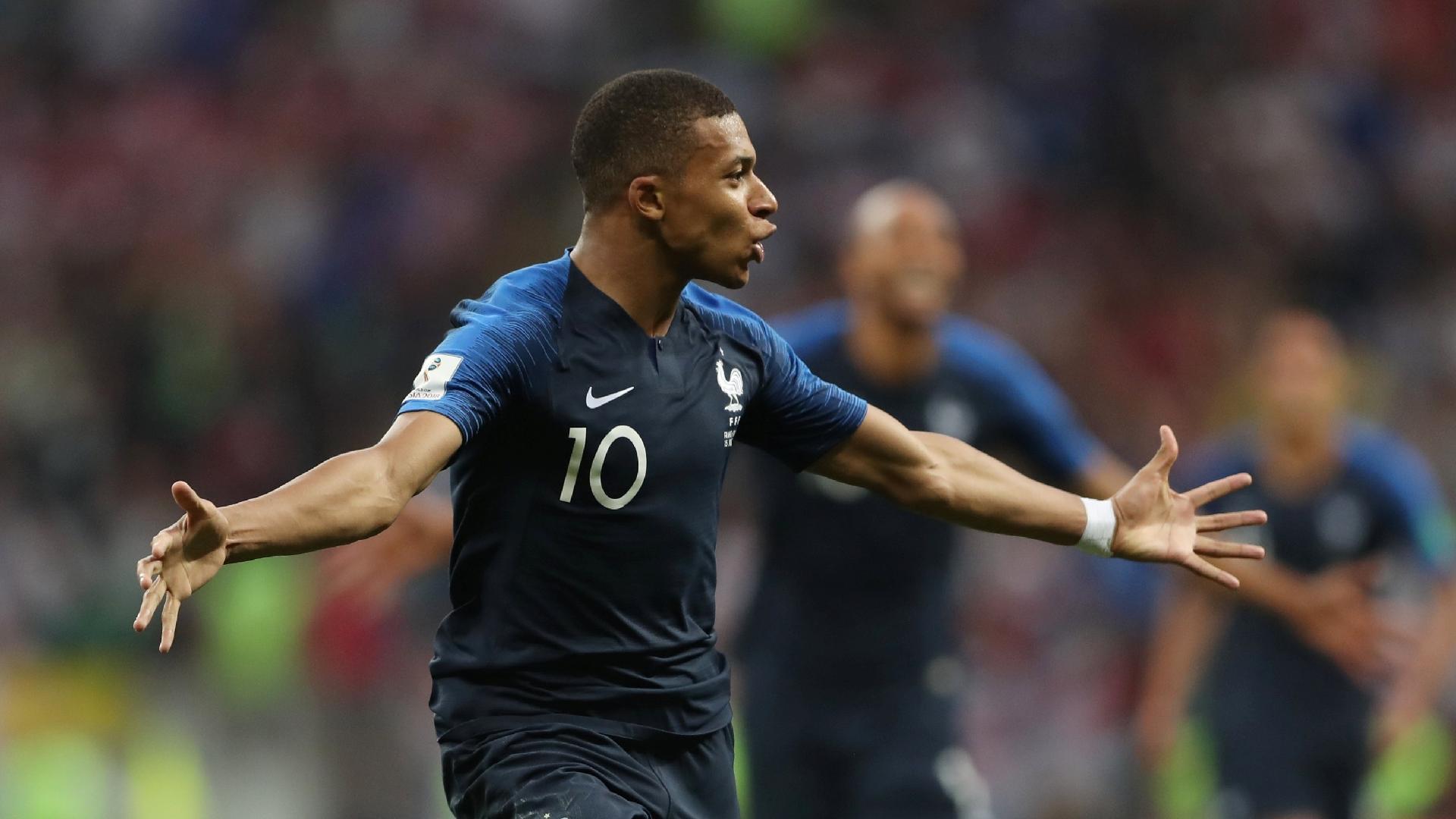 França na Copa 2018  Mbappé iguala Pelé ao marcar em final e é eleito o  melhor jovem da Copa - UOL Copa do Mundo 2018 1528172c5ccc0