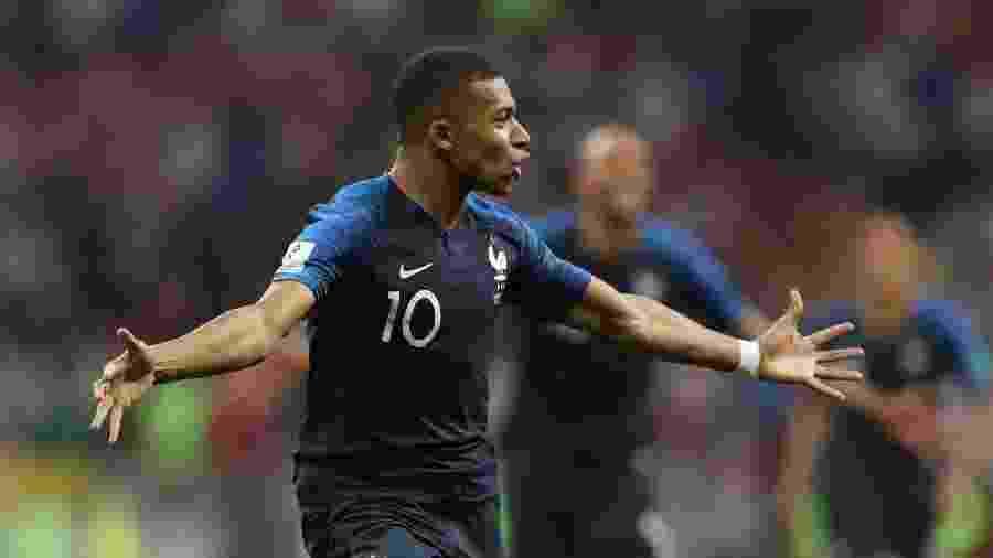 França na Copa 2018  Mbappé iguala Pelé ao marcar em final e é ... 223b20347bc51