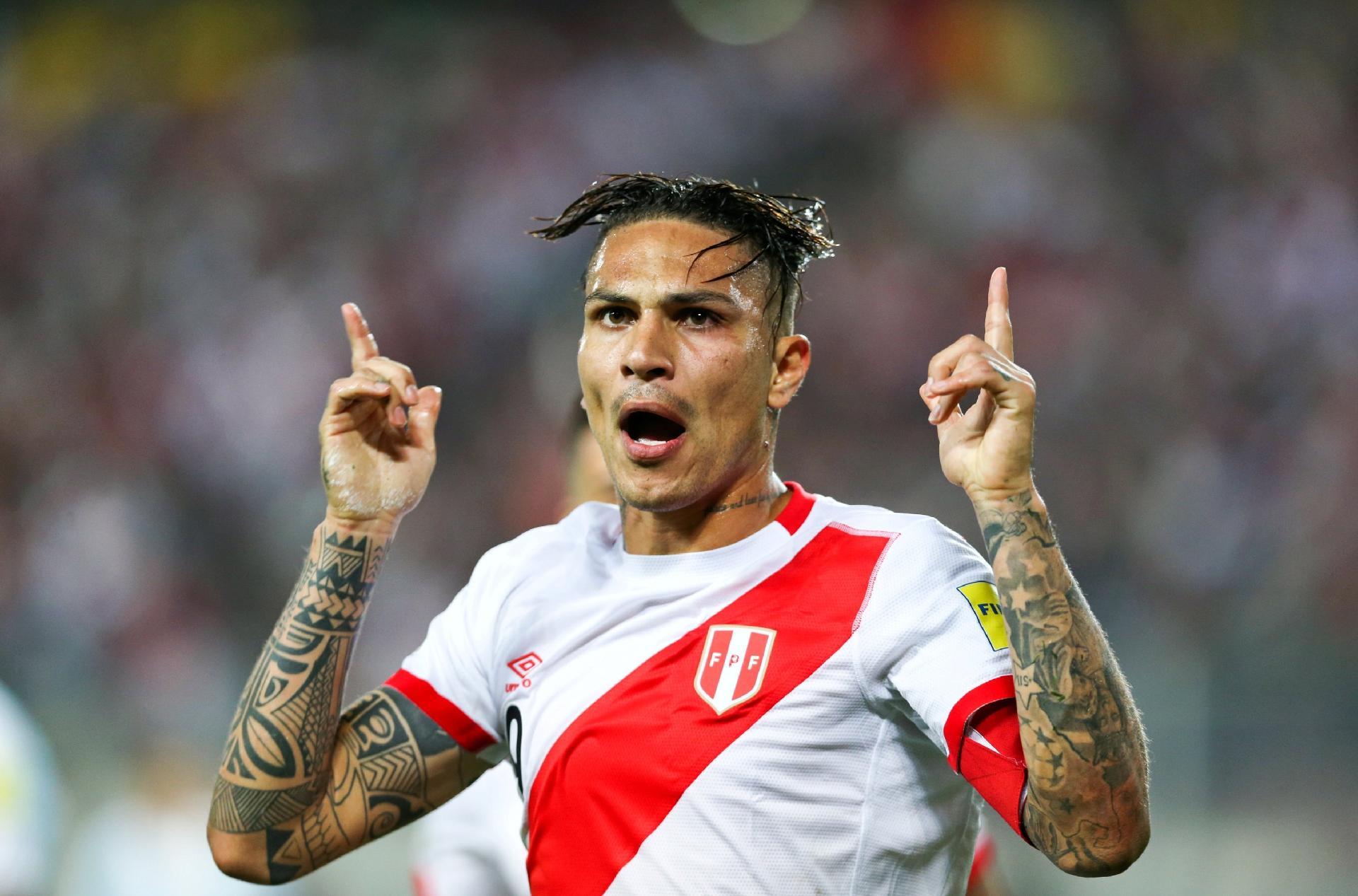 28e6b27e4b Contrato e valores  Flamengo vê renovação com Guerrero distante - Esporte -  BOL