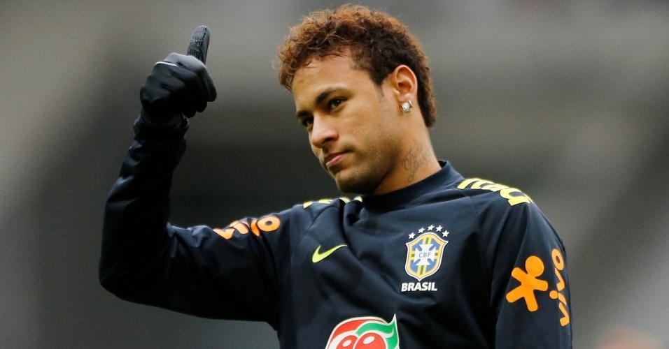 Neymar em treino da Seleção Brasileira em Lille, na França, antes de amistoso contra o Japão