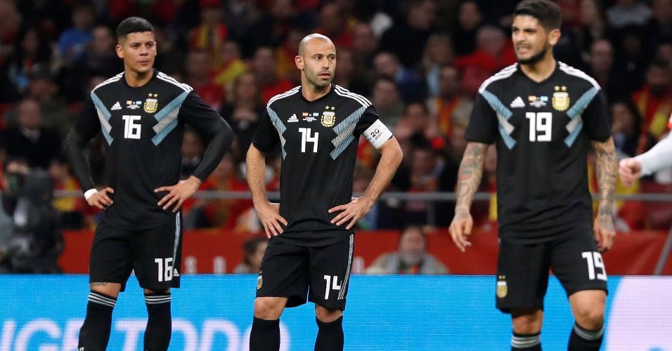 Rojo, Mascherano e Banega lamentam goleada da Argentina para a Espanha