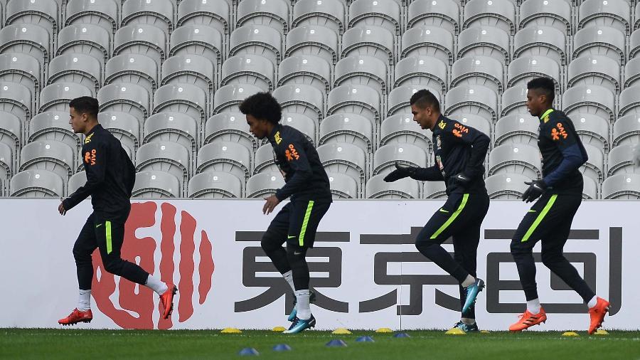 Phillipe Coutinho, Willian, Casemiro e Jemerson no último treino da seleção antes de jogo contra o Japão - Pedro Martins/MoWa Press