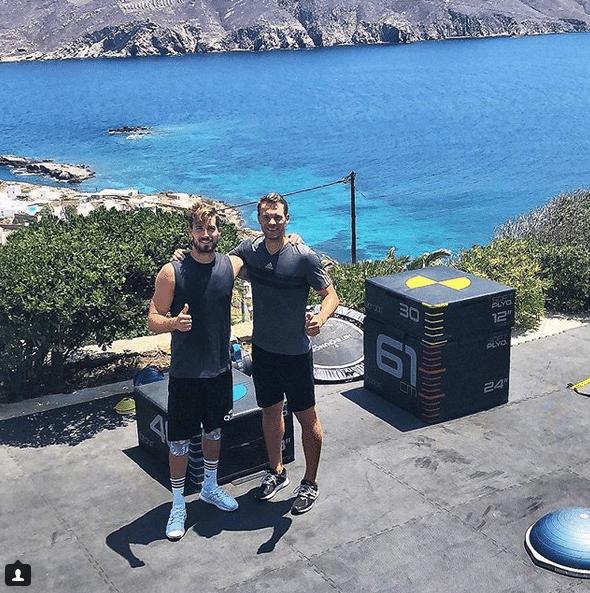 Kevin Trapp e Neuer treinam juntos na Grécia
