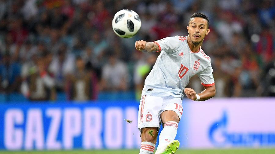Thiago Alcântara em ação pela Espanha na partida contra Portugal - Stuart Franklin/FIFA via Getty Images