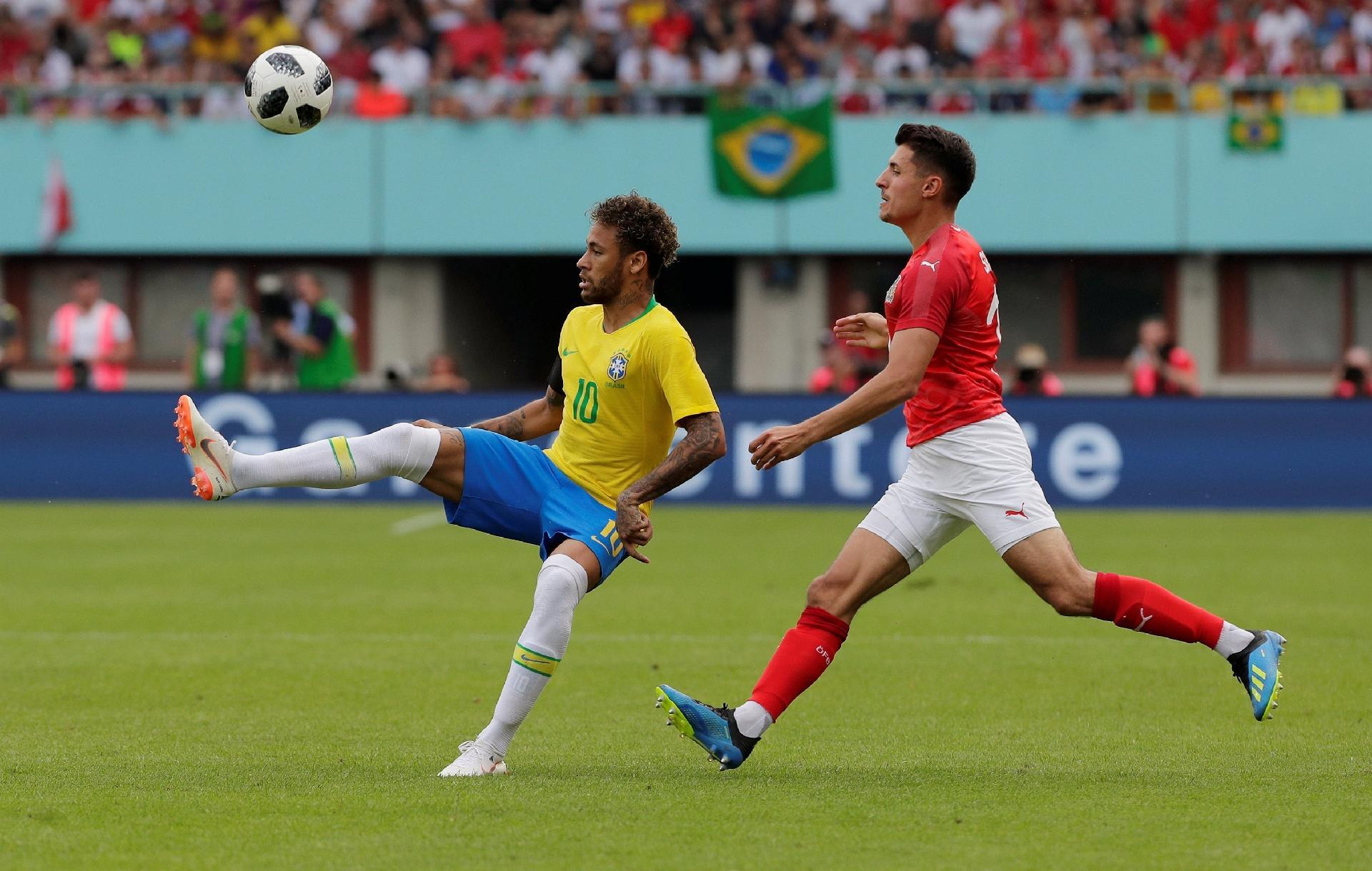 4927080891 Copa do Mundo 2018  Fifa coloca Brasil entre os favoritos ao título da Copa  e destaca Neymar - UOL Copa do Mundo 2018