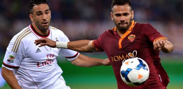 Zagueiro Leandro Castán ainda tem contrato de mais dois anos com a Roma - ALBERTO PIZZOLI/AFP