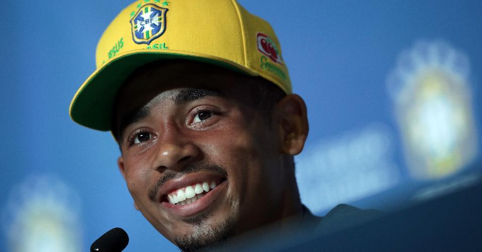 O atacante Gabriel Jesus em entrevista coletiva da seleção brasileira, em Sochi
