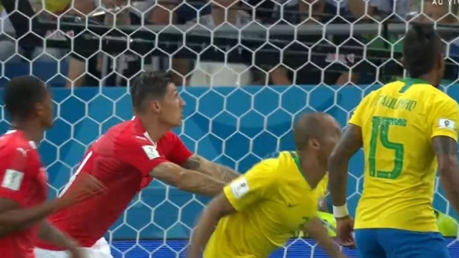 Resultado de imagem para falta em miranda do brasil contra a suiça