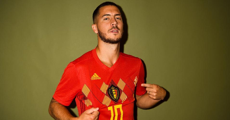 Eden Hazard posa com a camisa da Bélgica para o retrato oficial da Copa do Mundo