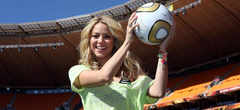 """Shakira fez sucesso com o tema """"Waka Waka"""", uma das músicas mais marcantes da história dos Mundiais - Jamie Squire - FIFA/FIFA via Getty Images"""