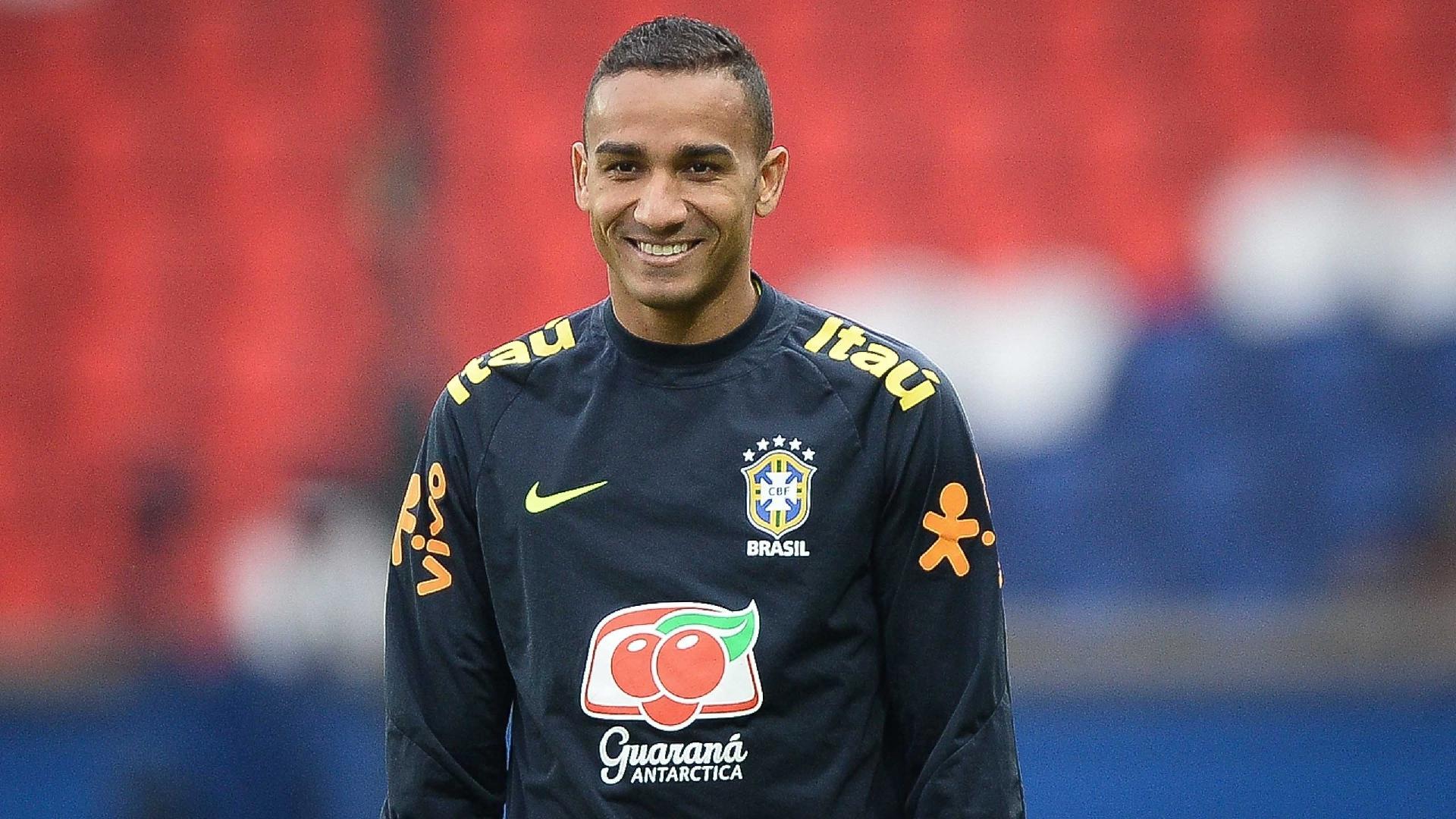 Danilo, lateral da seleção brasileira, foi destaque no amistoso com o Japão