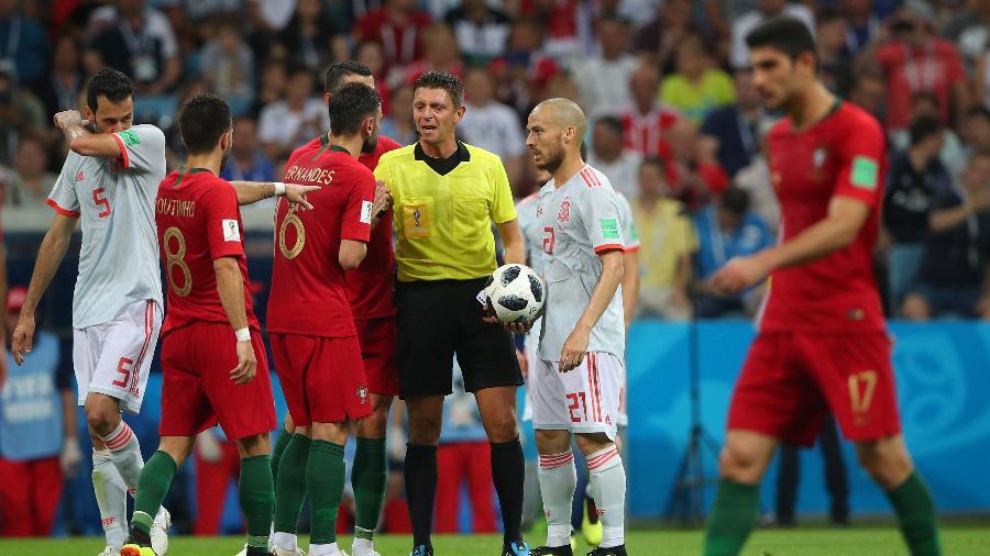 Árbitro Gianluca Rocchi em Portugal 3 x 3 Espanha - Hannah McKay/Reuters