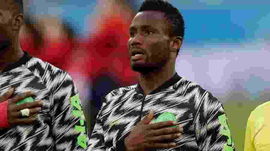 Obi Mikel durante execução do hino da Nigéria antes da partida contra a Argentina - HENRY ROMERO/REUTERS