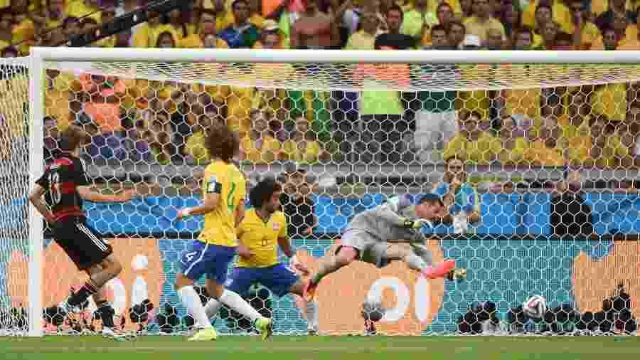 Alemanha balança as redes na partida que terminou 7 a 1 contra o Brasil - AFP PHOTO / PATRIK STOLLARZ