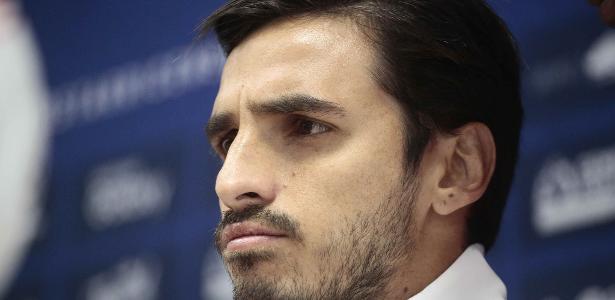 Meia Bryan Ruiz assinou contrato até o fim de 2020 com o clube paulista