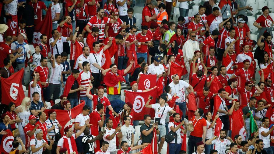 Mesmo diantes da Rússia, tunisianos se fizeram presentes contra os ingleses - Gleb Garanich/Reuters