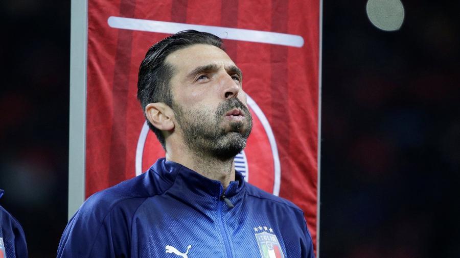 Buffon se emociona antes do jogo entre Itália e Suécia em 2017 - Max Rossi/Reuters