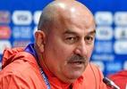 Técnico da Rússia interrompe entrevista após pergunta sobre doping - Alexander Nemenov/AFP