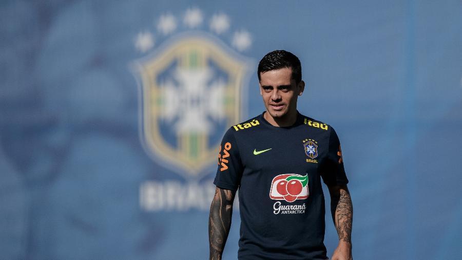 O lateral Fagner em treino da seleção brasileira em Sochi; corintiano terá disputa com Danilo - Pedro Martins / MoWA Press